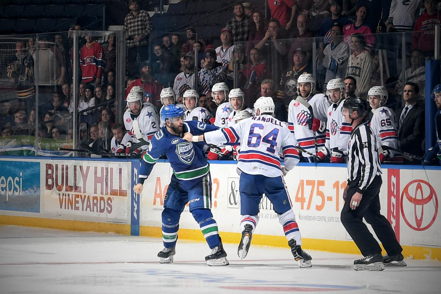 Comets were Smoked by the Shot Blocking Amerks