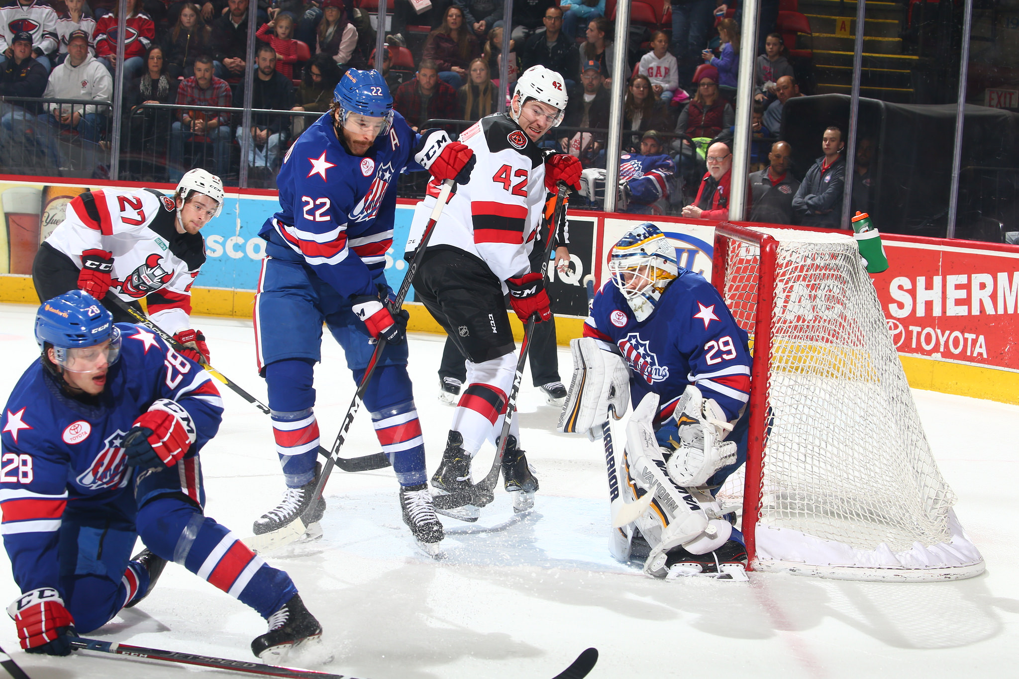 Amerks Bounce Back with a Saturday Night Win