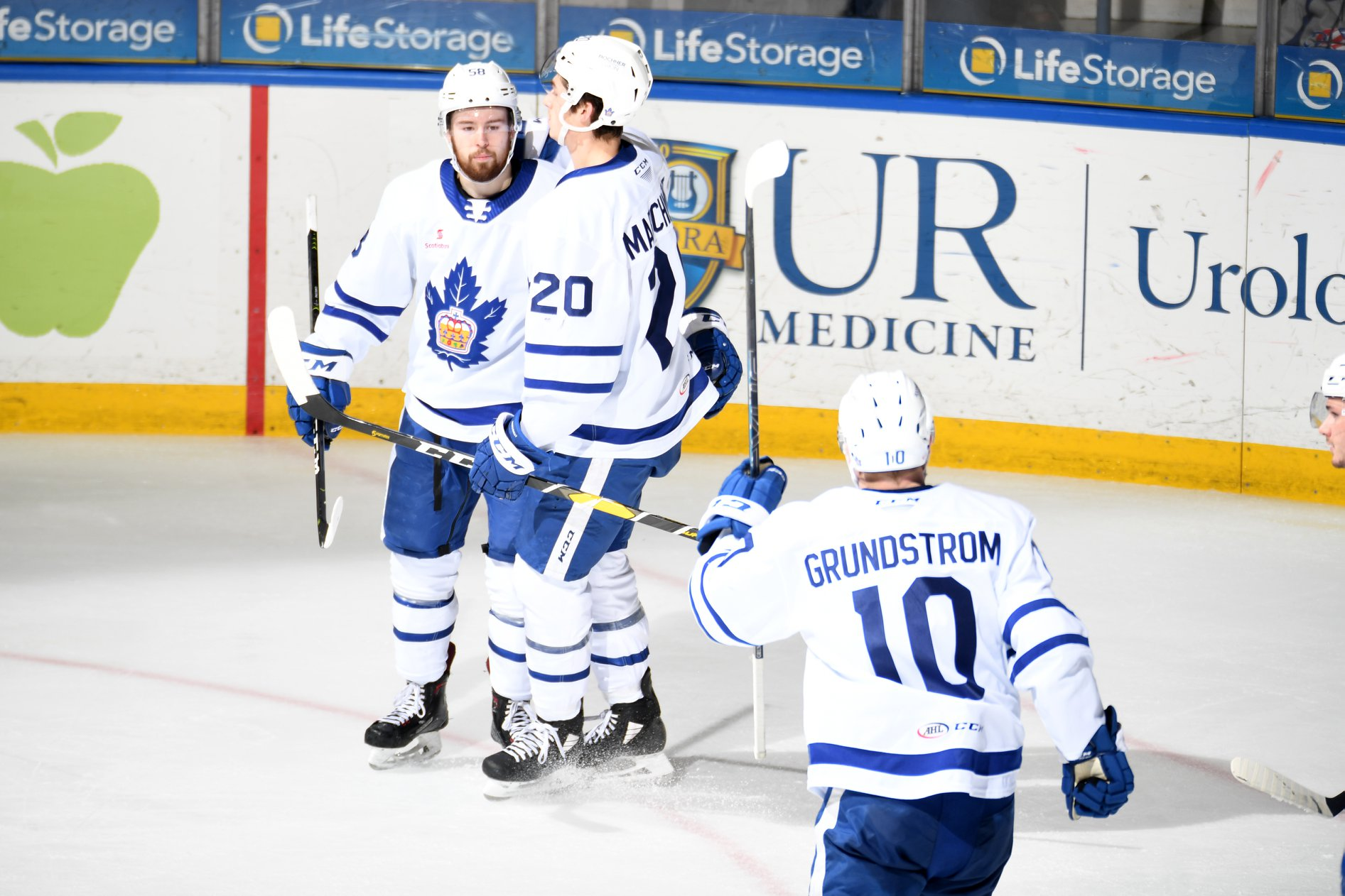 A Big Crowd Showed Up, the Amerks Didn't