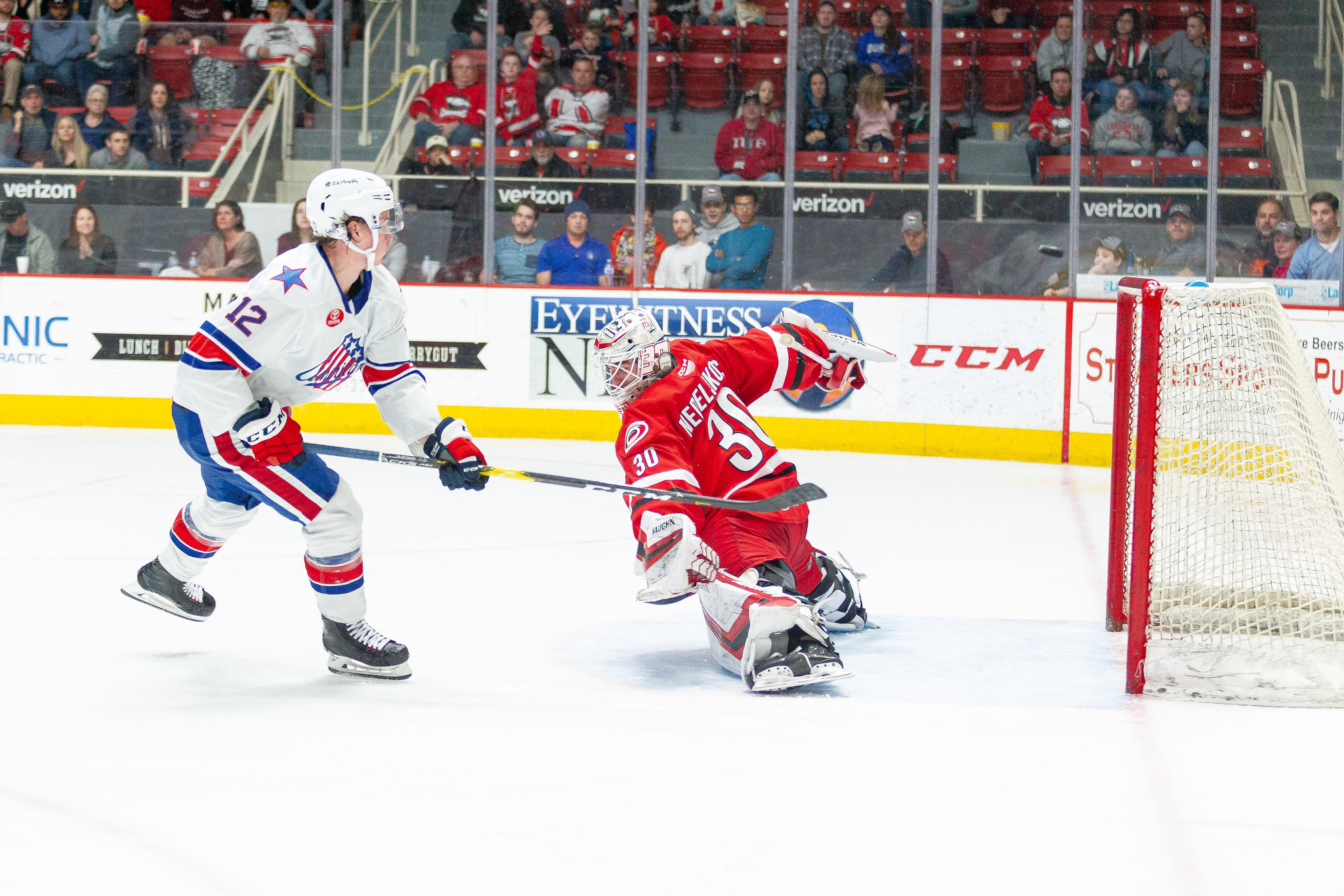 Amerks Lose 4-1 against the Checkers